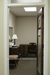 ©SarahValeos2014_body-reflections_office4
